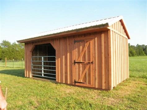 Sheds And Stables by Best 25 Small Barns Ideas On