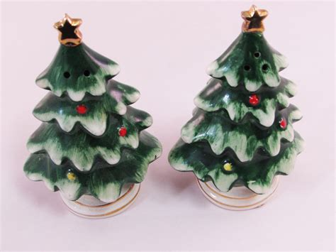 japanese ceramic christmas ornament 1950 lefton tree salt and pepper shakers 1950 s made in japan gold ornaments