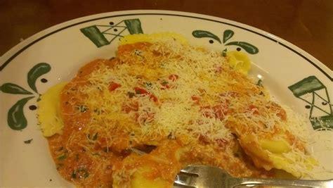 Olive Garden Ravioli by Mezzaluna Ravioli At The Olive Garden Dinner Today Dinner Tomorrow