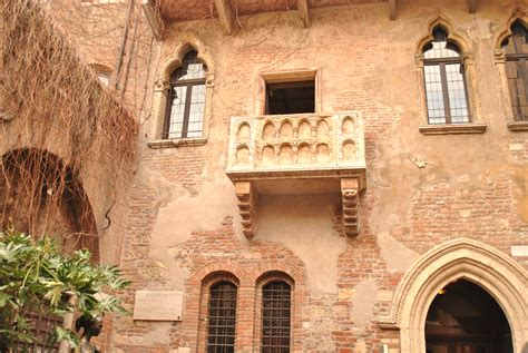balcony theme romeo and juliet romeo and juliet the power of travel