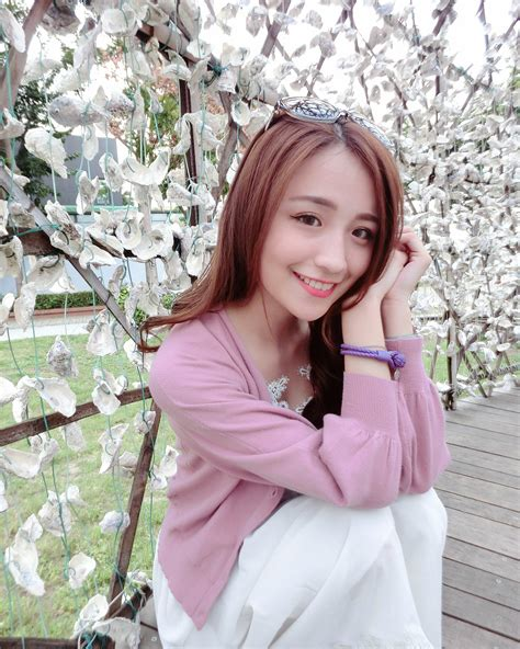 netizens lash out at japanese taiwanese model makiyo over viral taiwanese booth babe captures hearts of japanese
