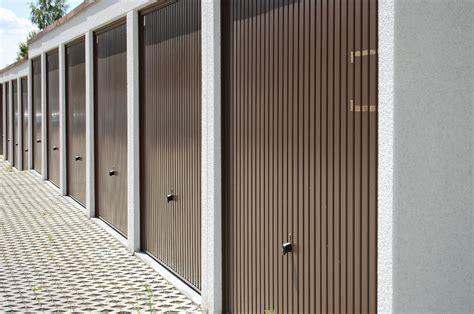 porte basculanti motorizzate per garage prezzi porte basculanti per garage e box prezzi e misure