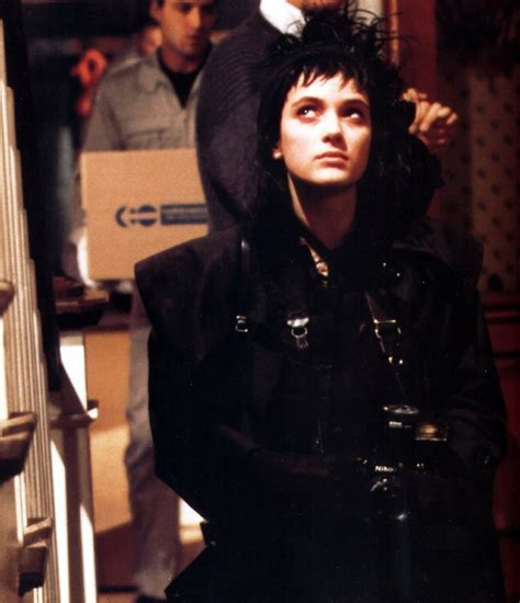 lydia deetz hairstyle winona ryder in beetlejuice square eyes pinterest
