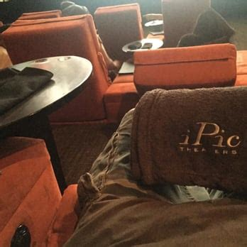 pasadena theater with couches ipic theaters 673 photos 1217 reviews movie theater