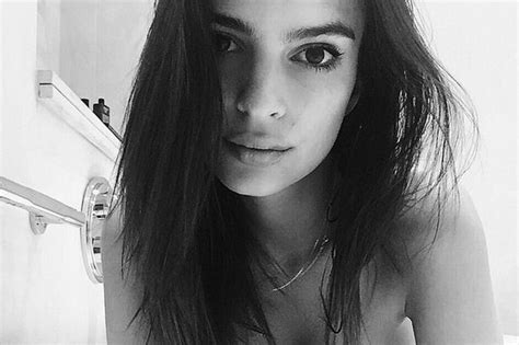 emily naked in the bathroom emily ratajkowski shares a sultry snap showing off her