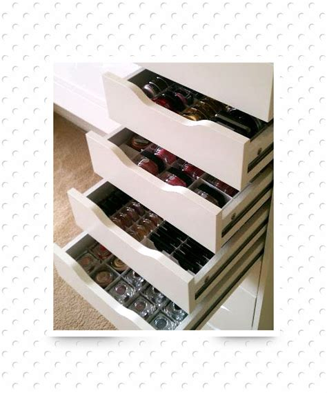 How To Organize Makeup Drawers by Drawers By The Dozen 20 Clever Ways To Organize Your Makeup Clutter Page 17
