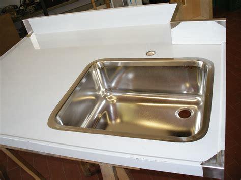 lavello in acciaio realizzazione accessori cucina in acciaio su misura venezia