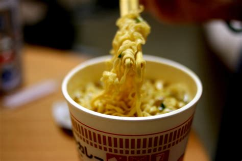 Instan Noodle the dangers of instant noodles
