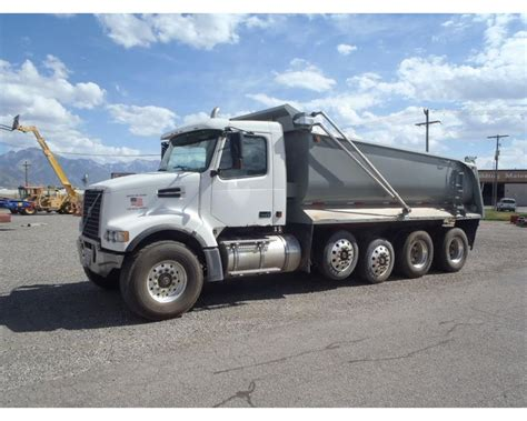volvo heavy duty trucks 2005 volvo vhd104f200 heavy duty dump truck for sale