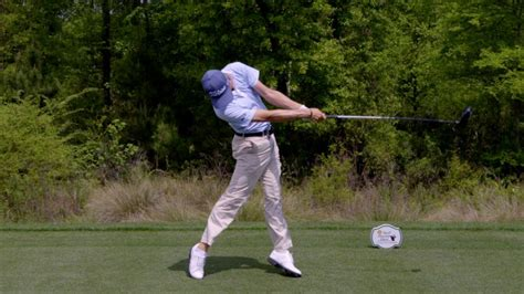 why swinging watch why justin thomas swing works golf digest video cne