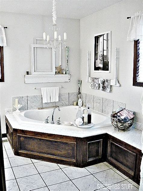 wood around bathtub wood siding for the tub area nice but worry about the