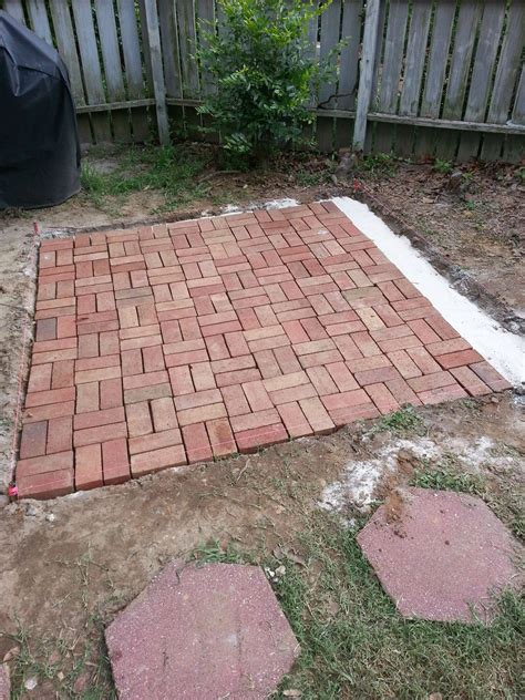 how to brick patio how to make backyard brick patio sharenator