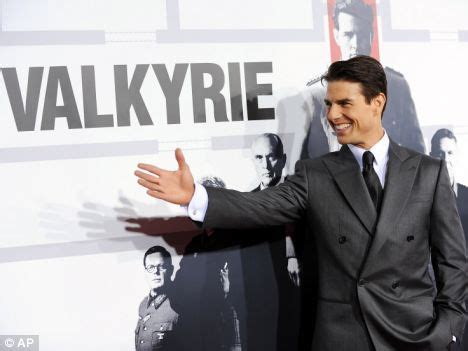 Tom Cruise Attacks Nyc Hollyscoop by Tom Cruise Takes To The Carpet For Premiere But