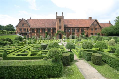 houses to buy in hatfield hatfield house old palace