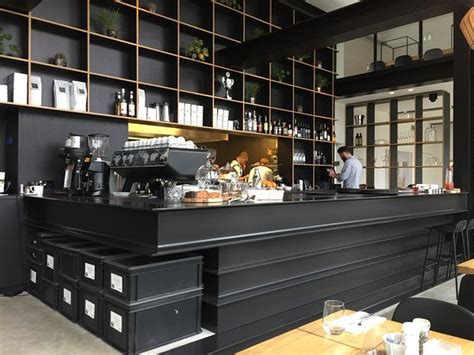 klein cafe interieur capriole caf 233 interieur picture of capriole cafe the