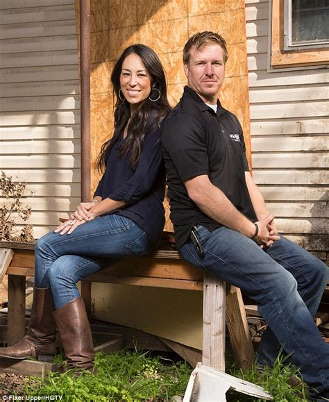 fixer upper stars chip and joanna gaines are chip and joanna gaines admit they struggled to make ends