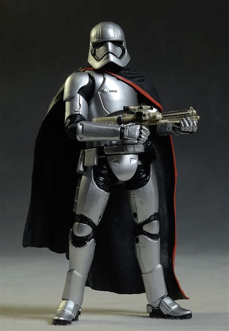figurine wars captain phasma