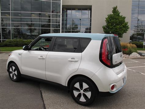 Kia Soul Review Canada 2015 Kia Soul Ev Look Cars Photos Test Drives