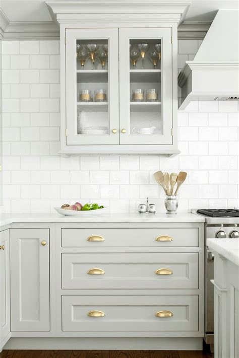 white cabinets with antique brass hardware 25 best ideas about gold kitchen hardware on pinterest