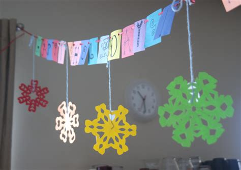 How To Make Snowflake Decorations Out Of Paper - how to make paper snowflakes angie s studio