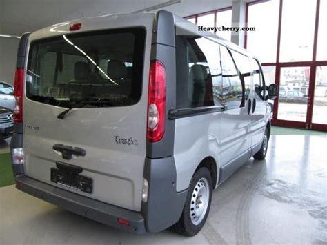 renault trafic 9 passenger van renault trafic 2 0 dci passenger l1h1 9 seater bus air