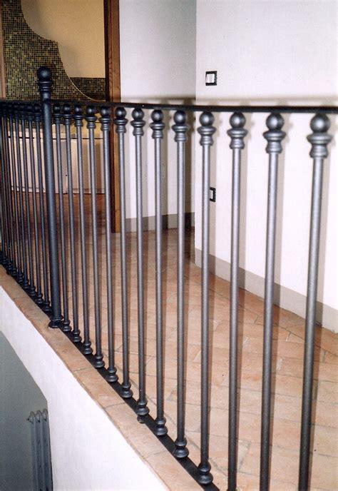 ringhiera per scale ringhiere e balaustre in ghisa e ferro battuto per scale e