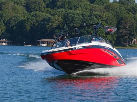 lake lewisville boat rental lake lewisville boat rentals jetskis pontoons yachts more