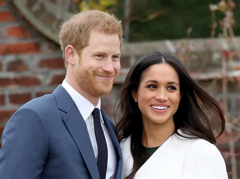 prince harry meghan markle brits prefer meghan markle s engagement ring to kate