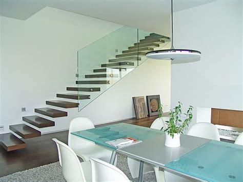 schwebende treppenstufen die besten 17 ideen zu freitragende treppe auf