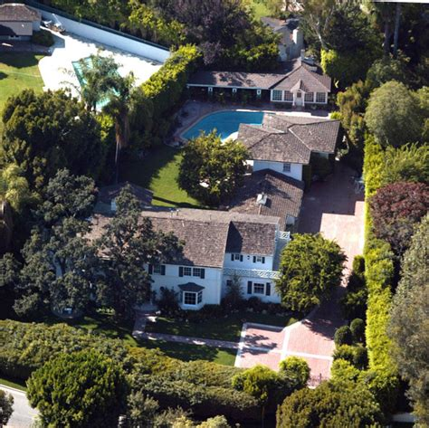 celebrities houses celebrity homes zimbio