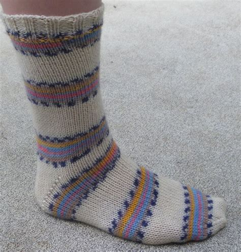 knitting pattern for socks using two needles easy two needle socks audrey s knits diy pinterest