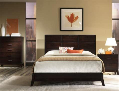 como decorar una casa con pisos oscuros combinar las paredes con muebles de maderas oscuras casa
