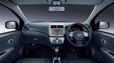 Pelapis Handle Pintu Mobil detail mobil murah agya inilah brosurnya merdeka