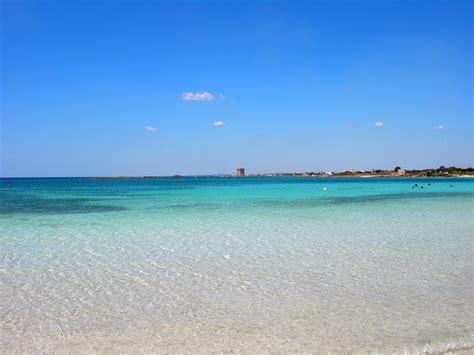 porto cesare spiagge salento turisti a ogni costo