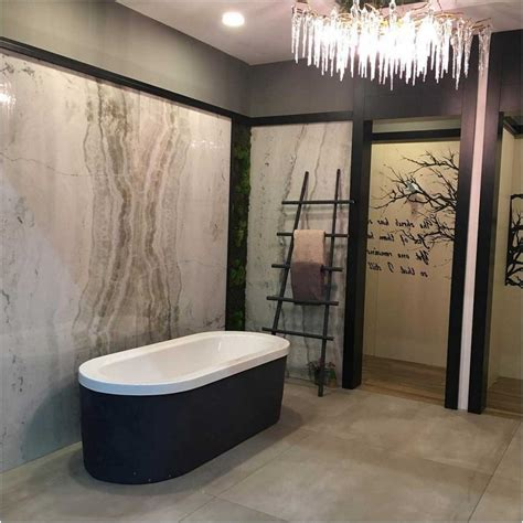 freistehende badewanne schwarz bild schwarz wei 223 freistehende badewanne lapazca