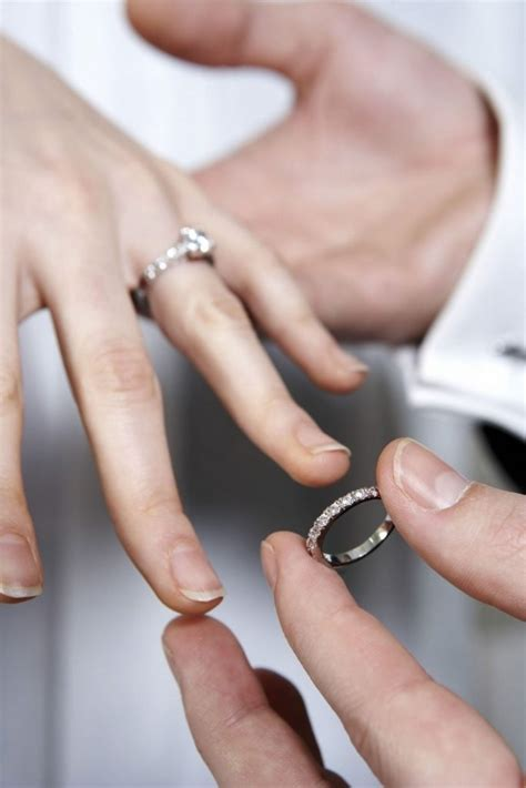 Wedding Rings Go On What Finger by Wedding Ring Wedding Rings Which Does The