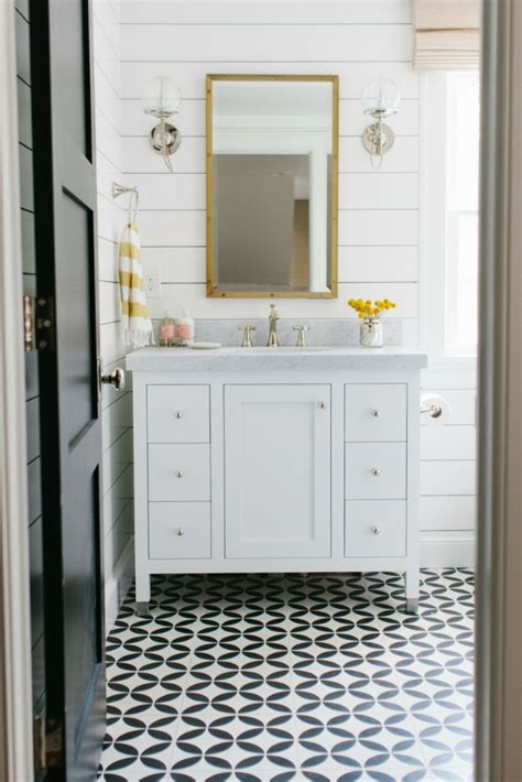 Shiplap Bathroom Wall One Room Challenge Week 2 A Start To The Shiplap Nail