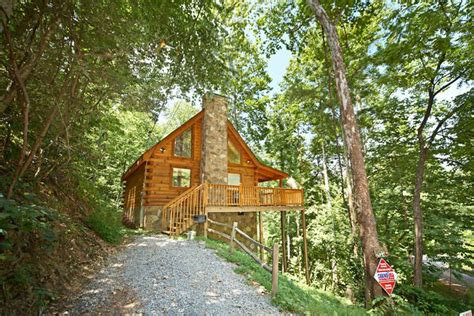 Honeymoon Cabins In Pigeon Forge Tennessee by Honeymoon Cabin Rental Gatlinburg Pigeon Forge Cabin
