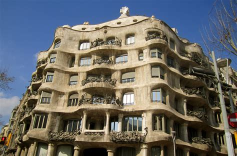 Casa Mila Floor Plan by Gaudi Shaping Barcelona S Architecture Two Worlds