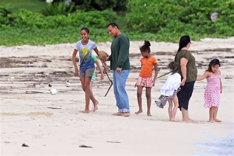 obama island obama family vacation in hawaii pictures zimbio