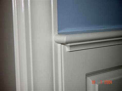 chair rail return wainscoting