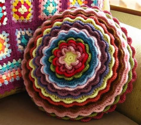 blooming flower cushion free patterns the whoot