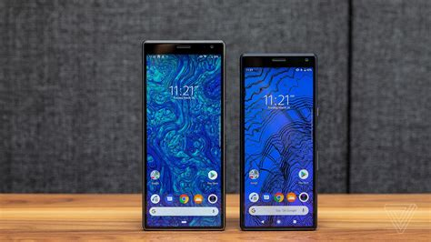 sony xperia  review easy  hold hard    verge