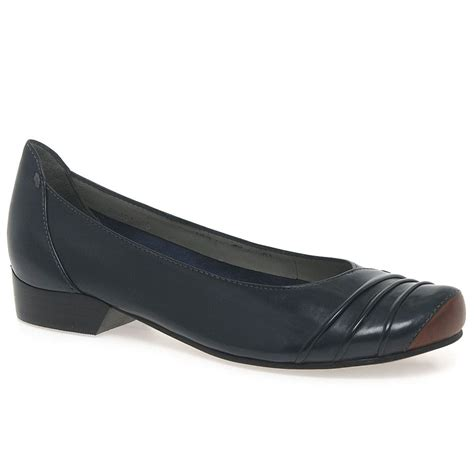 swing shoes everybody swing women s casual shoes charles clinkard