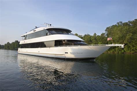 boat ride branson landing branson landing private cruises corporate events