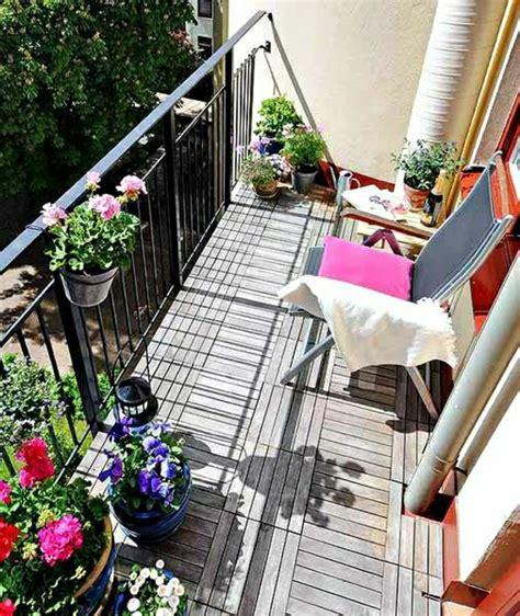 wunderschöner garten idee treppe balkon
