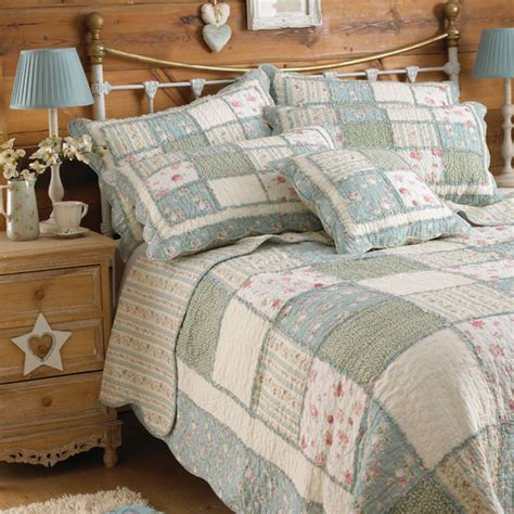 Green Quilted Bedspread Paoletti Lavandou Patchwork 100 Cotton Scalloped Edge