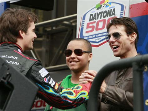 Tom Cruise To Play A Race Car Driver In New by Tom Cruise Drives Pace Car To Start Nascar Sprint Cup