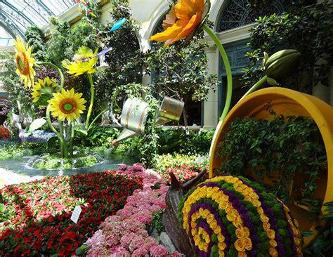 Bellagio Flower Garden 2014 Summer Celebration Bellagio Conservatory Botanical Gardens Las Vegas Top Picks