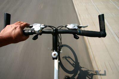 comfort bike vs hybrid comfort bikes vs hybrid bikes livestrong com
